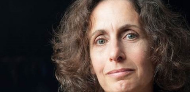 Author Elizabeth Kolbert wrote the Pulitzer Prize-winning book 'The Sixth Extinction: An Unnatural History,' which will serve as the central focus for programming across the Chicago's 81 library branches.