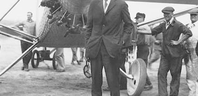 World History Minute: Lindbergh completes transatlantic flight (May 21, 1927)