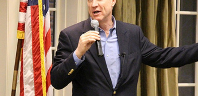 Rauner and Quinn continue to battle over state's fiscal future