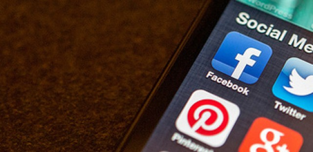 Morning Shift: Students' social media may hurt college admittance