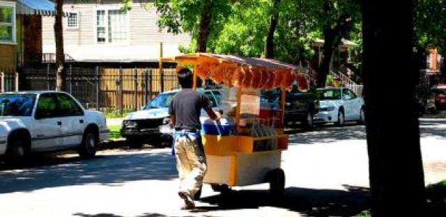Legislative speed bumps keep Chicago food vendors parked