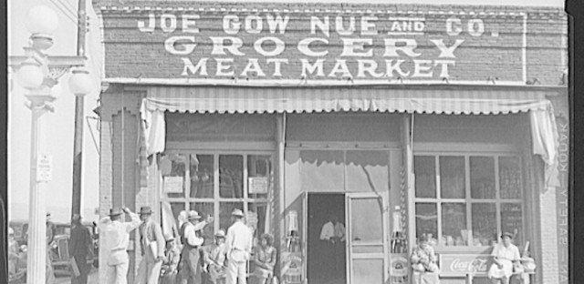 The number of Chinese merchants and grocers steadily grew throughout the Mississippi Delta in the late 1930s and early 1940s.