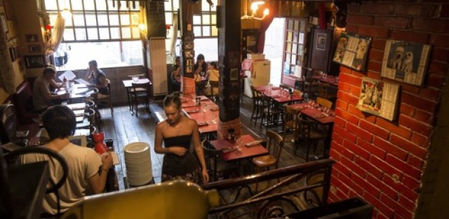 New French law aims to stop food waste in restaurants