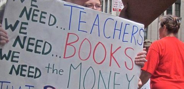 Chicago Teachers Union protests school budget cuts