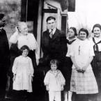 Clarence E. Hemingway family, Oak Park, Illinois, ca. 1917.