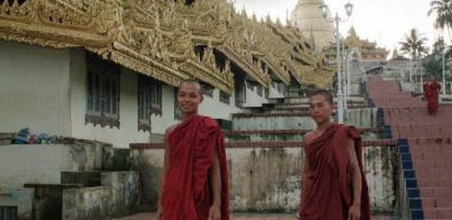 Muslims and Buddhists at odds in Burma