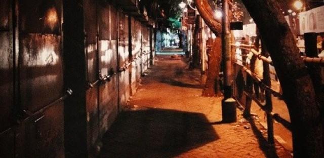 Women in India rebel against curfews
