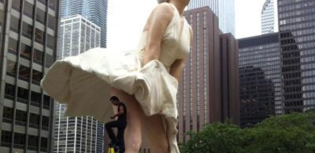Marilyn Monroe scuplture vandalized