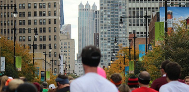 First Chicagoan to cross finish line at Chicago Marathon
