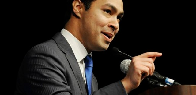 San Antonio Mayor Julian Castro keynotes the Dem convention as the Democrats try to appeal to Latinos in North Carolina and the nation.