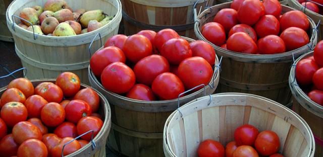File: Chicago farmers market.