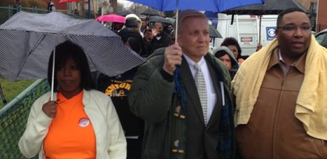Alderman Fioretti Walks the Walk with CPS