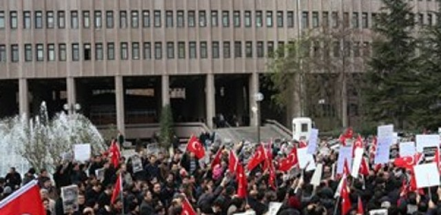 Turkish government conducts raids on media outlets