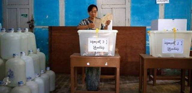 "Burma elections, Gasper Noe's ""Love"" and Dick Durbin on Africa"