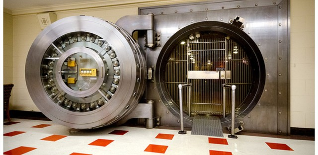 The basement vault in the Bridgeview / Uptown Bank. Still fully functional.