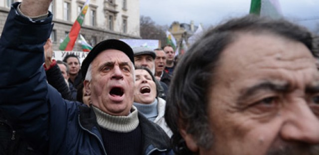 Mideast peace talks, Bulgaria's protest movement and the NSA