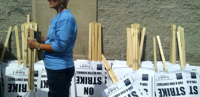 Union opens 'strike headquarters,' community and parent groups line up behind teachers