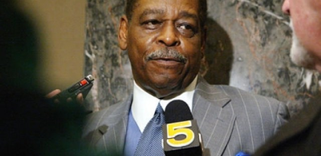 Cook County Commissioner Bill Beavers indicted | WBEZ