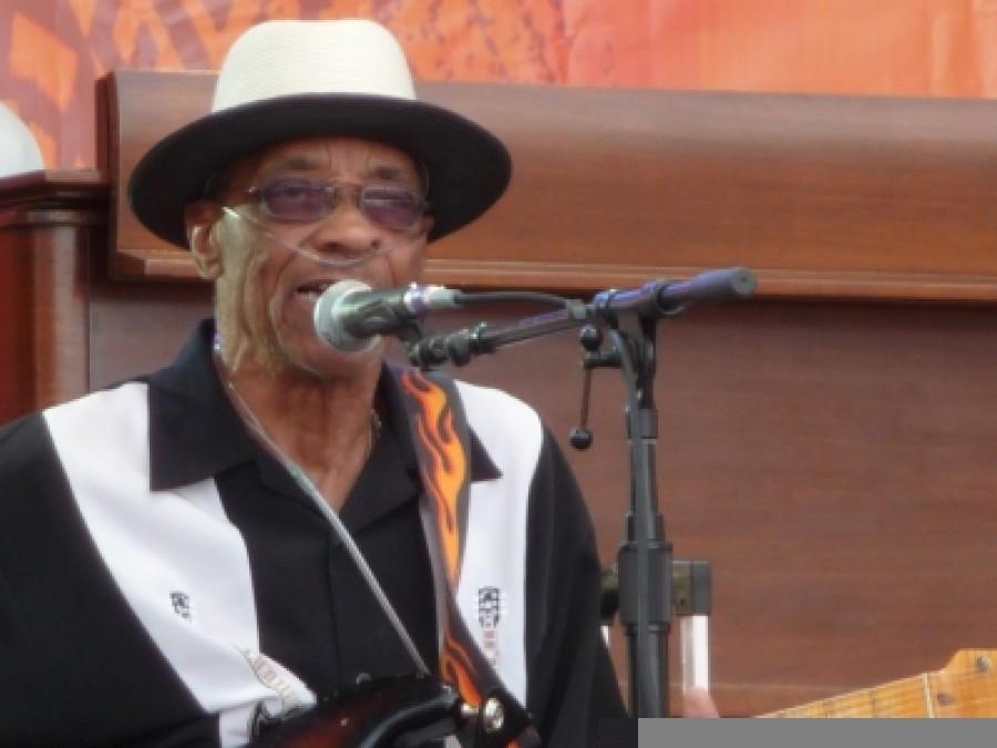 Howlin Wolf Guitarist Hubert Sumlin Dies Wbez Chicago