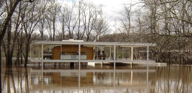 Mies-designed Farnsworth House appears safe near rising Fox River