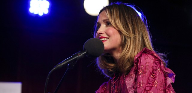 Ask Me Another : Rose Byrne-ing Down The House Image