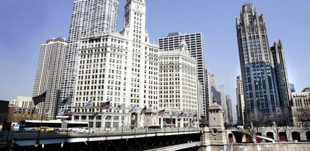 Touring The Architectural Giants Of Downtown Chicago