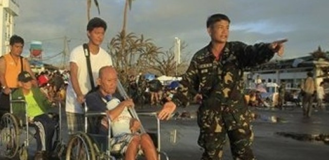 Relief agencies still struggling to get aid to some victims of Typhoon Haiyan