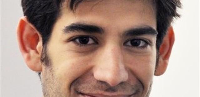 Internet pioneer Aaron Swartz dies at 26