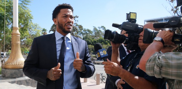 New York Knicks basketball player Derrick Rose arrives at U.S. District Court