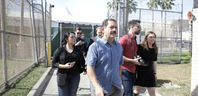 Jesus Chuy Garcia Visits tent immigration courts at the border