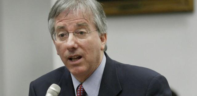 Former Ambassador Says Obama 'Overlearned' Iraq