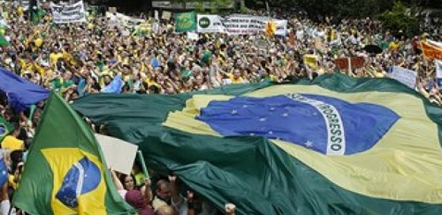Protesters call for impeachment of Brazilian president Dilma Rousseff