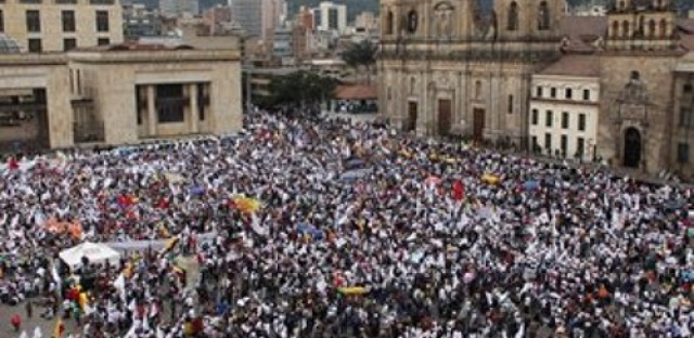 Mass demonstrations for peace in Bogotá