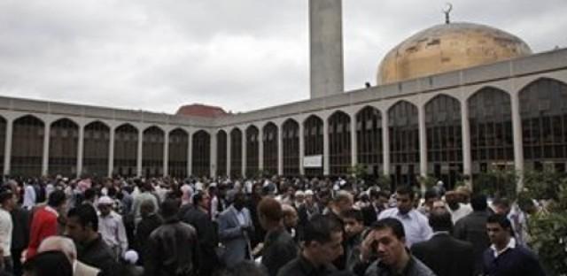 British television station broadcasts Muslim prayer during Ramadan