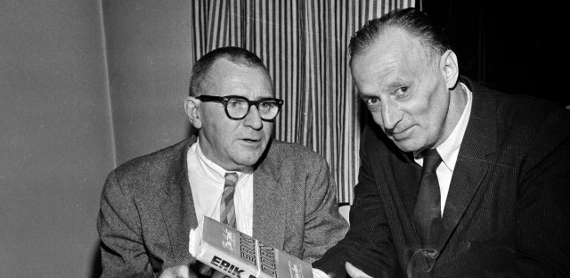 "Author Nelson Algren, right, who has written an introduction to a republication of Ben Hecht's novel ""Erik Dorn,"" discusses the book with fellow author, James T. Farrell, at a party in Chicago,Ill., Nov. 21, 1963. At the party the University of Chicago Press launched a major publishing venture called ""Chicago in Fiction."""
