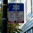 A sign for Chicago's winter parking ban.