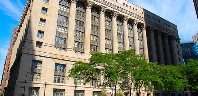 Chicago aldermen agree to water down tough gun law