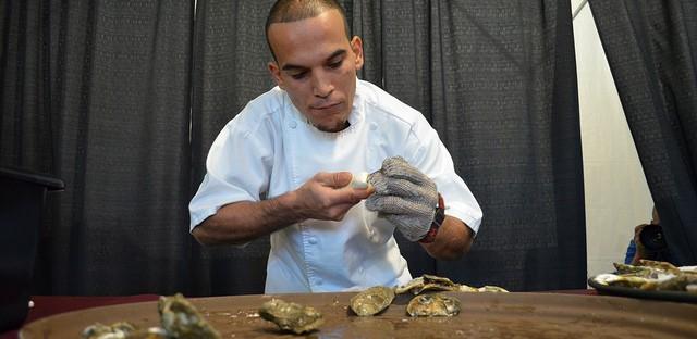 Supreme Shucker Luis Pedroza, Benny's Chop House