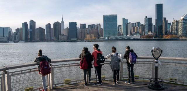 Planet Money : #880: Is Amazon Good For New York? Image