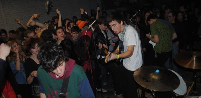 19-year-old wunderkinds Twin Peaks play a basement show in Chicago.