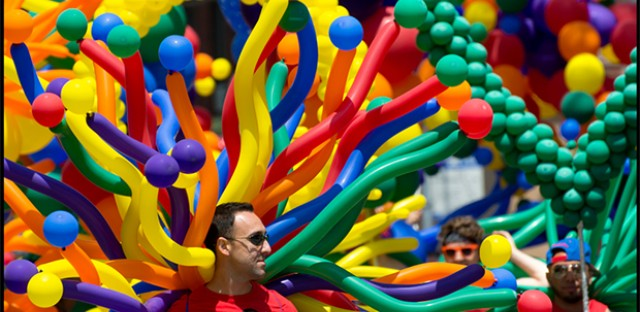 Balloon People: Photo of the Day - July 8, 2013