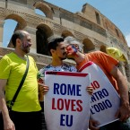 "Campaigners kiss and hug during a gathering, in front of Rome's ancient Colosseum, Sunday, June 19, 2016. With the ""Anglo-European kiss-in"" Britons and Europeans attempted to show love between Britain and Europe by kissing."