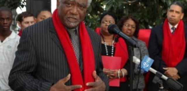 Congressman Danny Davis must pay up or be booted from March ballot