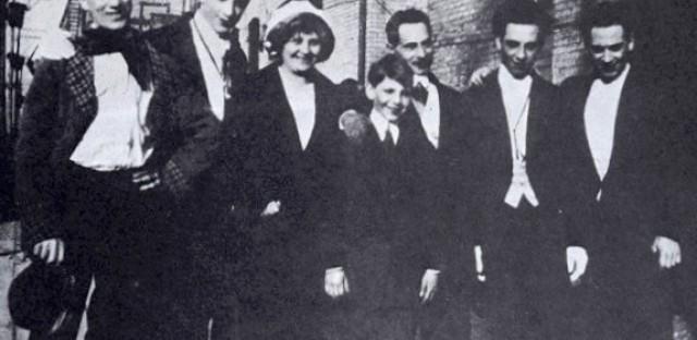 Chicago Marxism, 1915--Groucho, Gummo, Minnie, Zeppo, Sam, Chico, Harpo