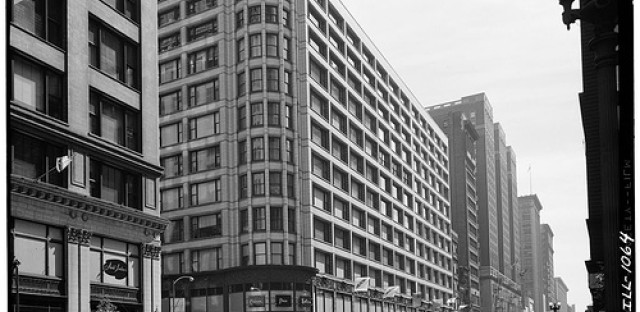 The Carson Pirie Scott building was designed by Louis Sullivan in 1899