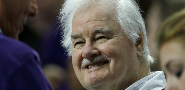 Tex Winter, legendary basketball coach, winner of 9 NBA titles with the Bulls and Lakers, took Kansas State to 4 Final Fours in the 1950's, dies at age 96