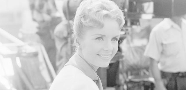 Debbie Reynolds on the set of <em>For Love or Money</em>.