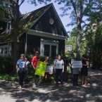 Group protests at Rauner home in Winnetka