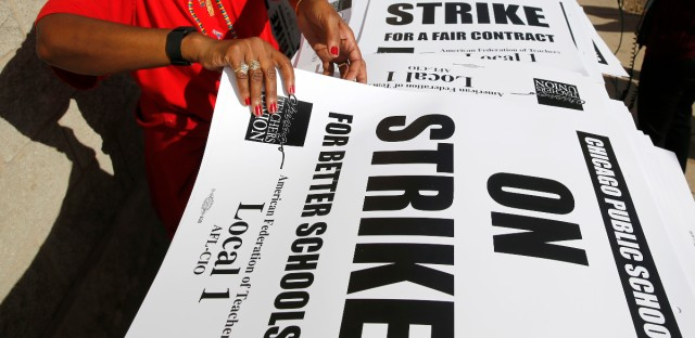 Chicago Teachers Union Pushing For Broader Strike And Bargaining Rights – WBEZ