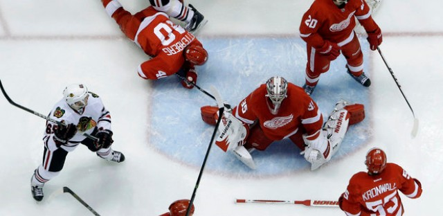 Blackhawks look to knock out Detroit tonight in Game 7